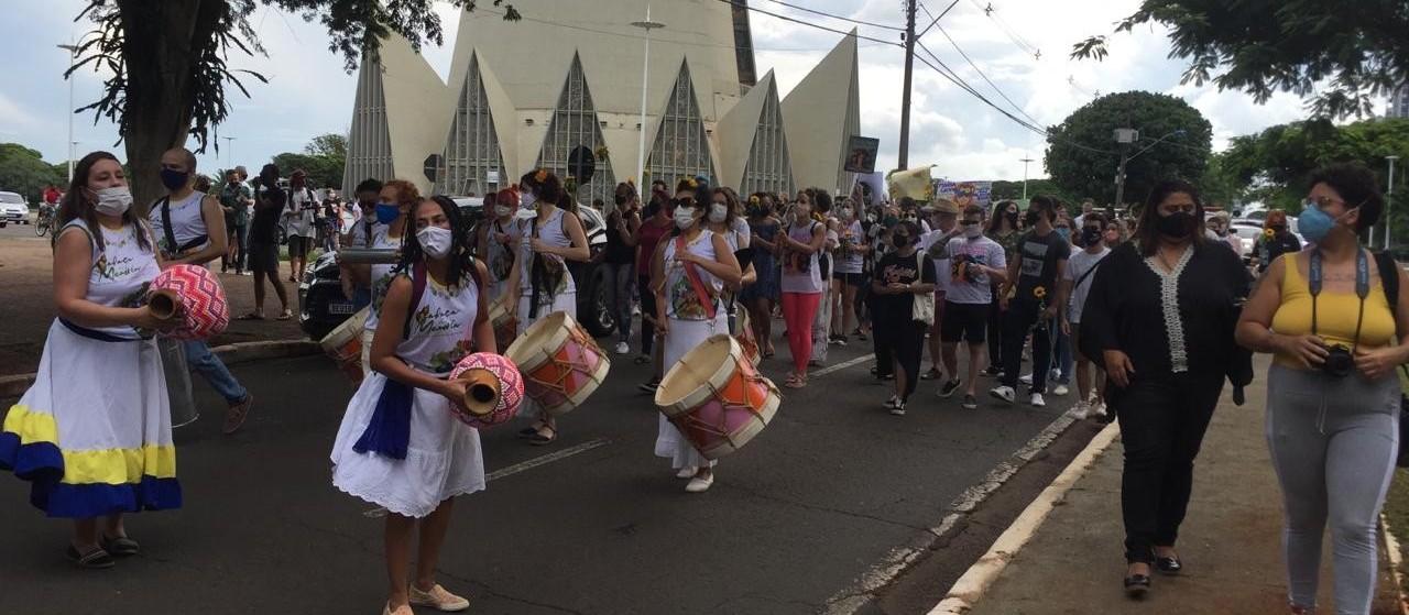 Manifestação contra o feminicídio marca um ano da morte de Magó