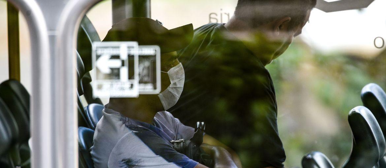 Funcionário que se recusa a usar máscara ou se vacinar pode ser demitido