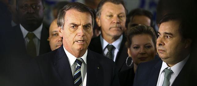 Bolsonaro entrega ao Congresso projeto que altera Código de Trânsito Brasileiro