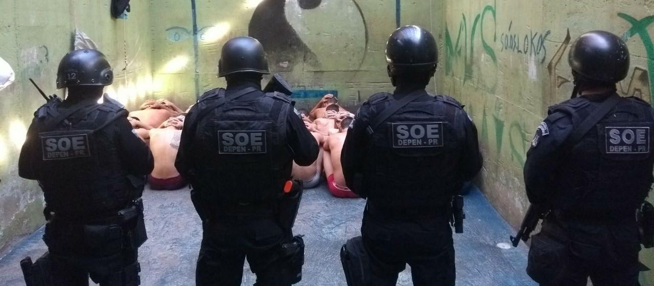 SOE apreende cinco celulares e drogas durante revista em cadeia pública