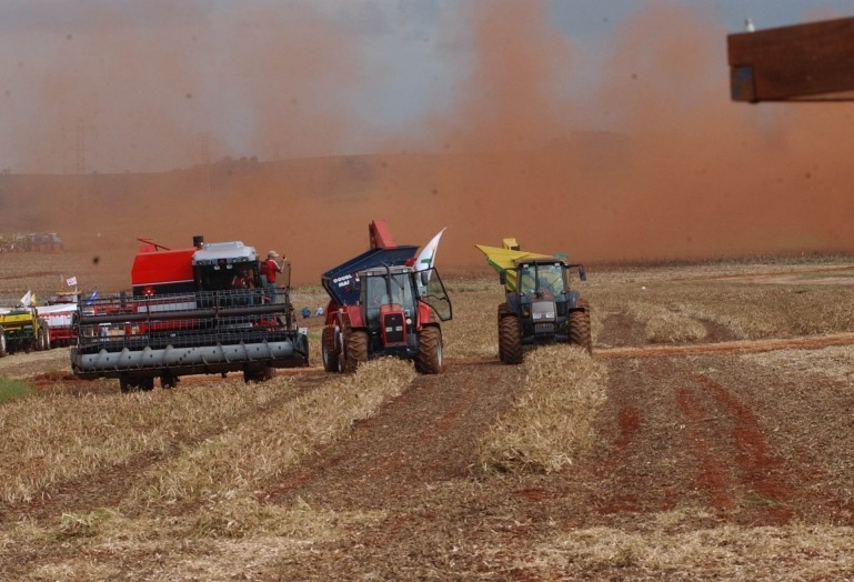Indústria de máquinas agrícolas e rodoviárias projeta crescimento de 2,9% nas vendas