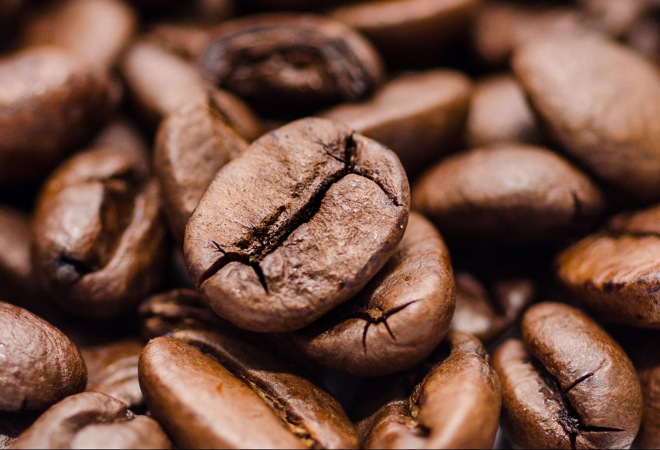Café em coco custa R$ 6,75 o quilo em Maringá
