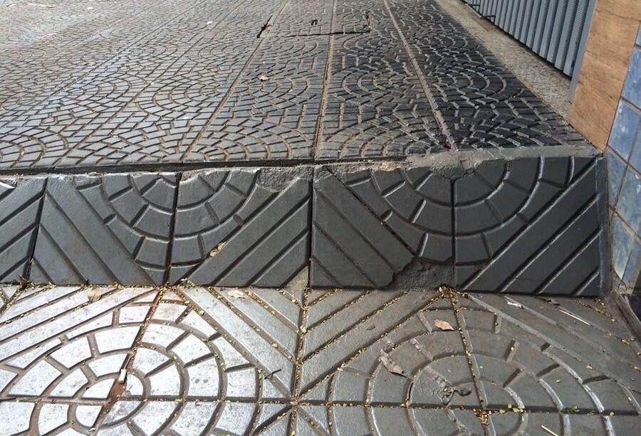Depois de cinco anos, mulher é indenizada por queda em calçada