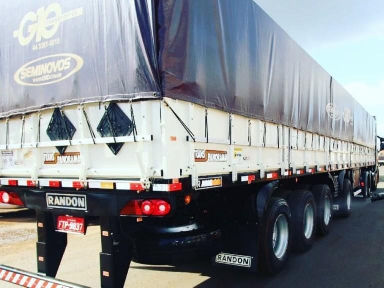 Transportadora de Maringá desenvolve semirreboque com quatro eixos