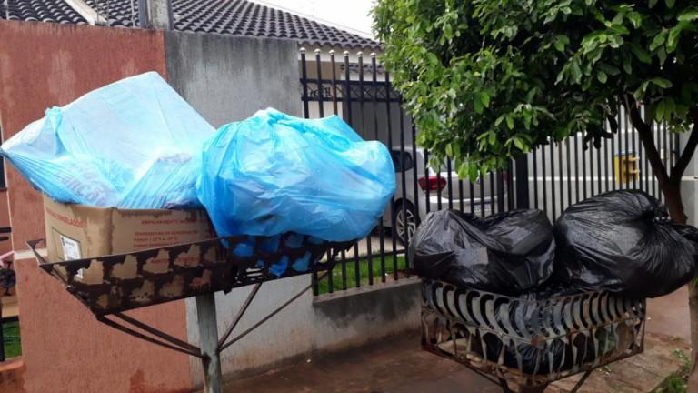 Reclamações sobre acúmulo de lixo em bairros de Maringá continuam