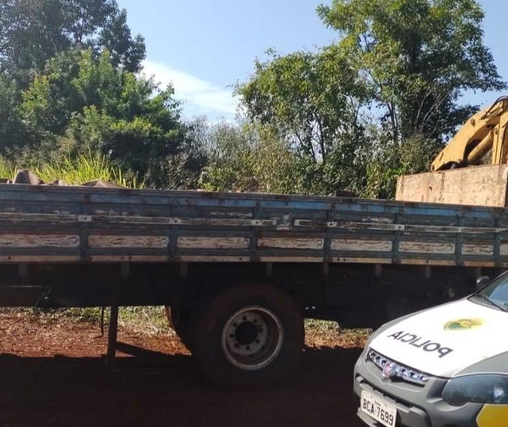 Polícia Militar flagra furto de trilhos da linha férrea em Doutor Camargo