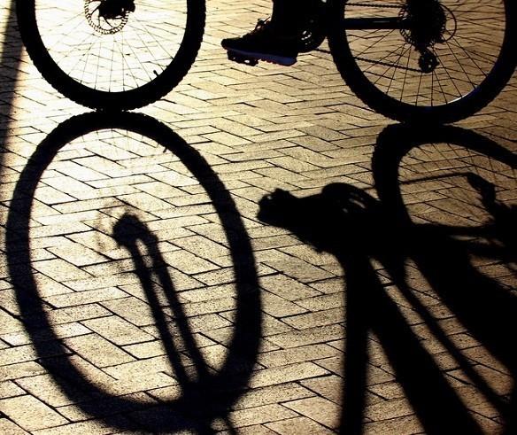 Dois são presos após bicicleta ser furtada de loja na Avenida Paraná