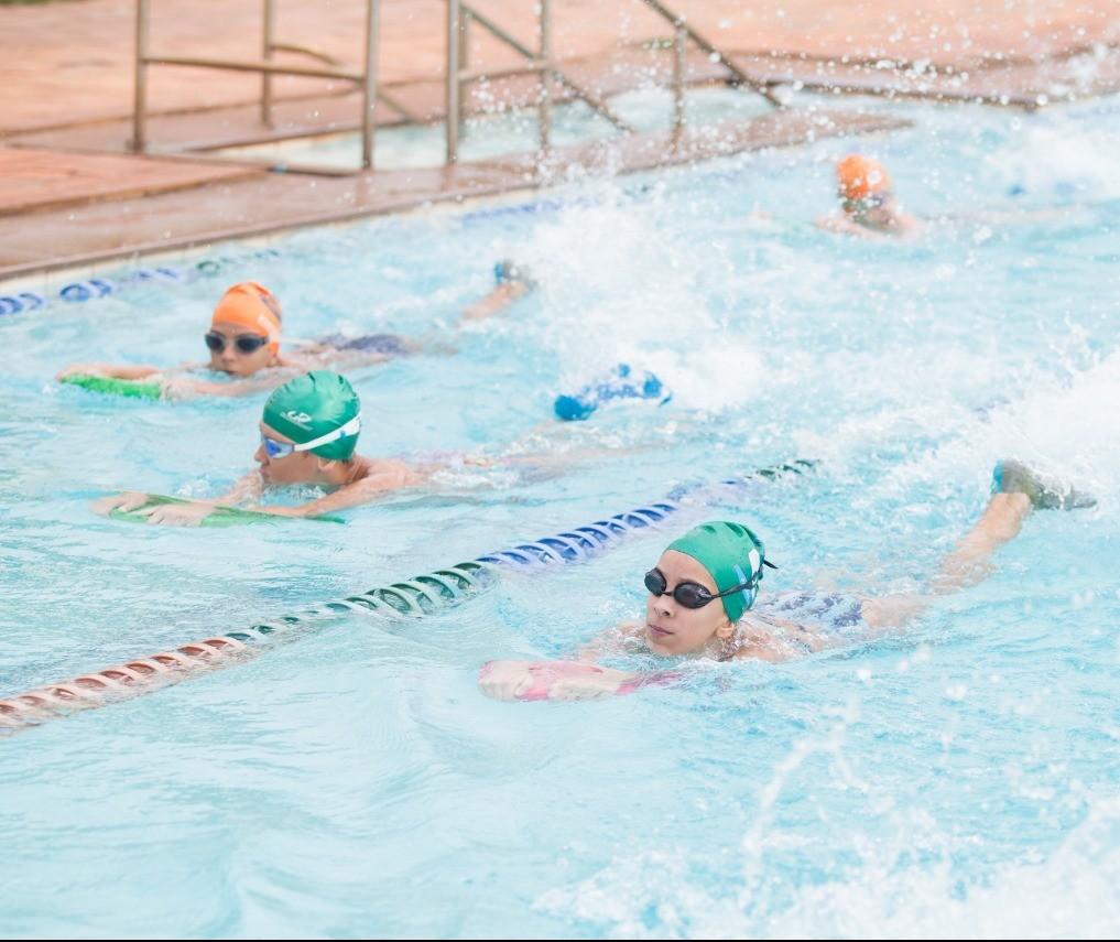 Inscrições gratuitas para aulas de natação e hidroginástica estão abertas
