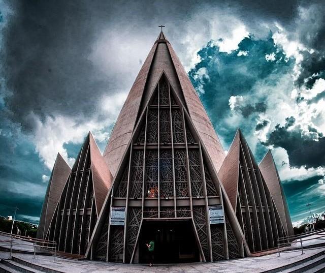 Catedral de Maringá pode ter inclinado alguns centímetros