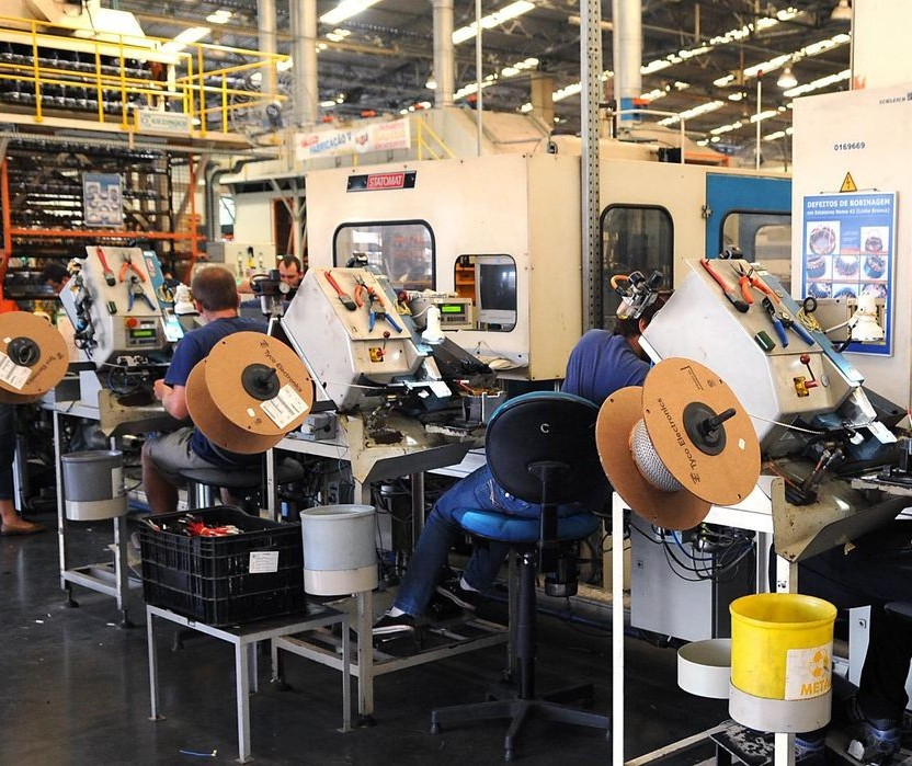 Confiança da indústria tem alta recorde em junho, diz FGV