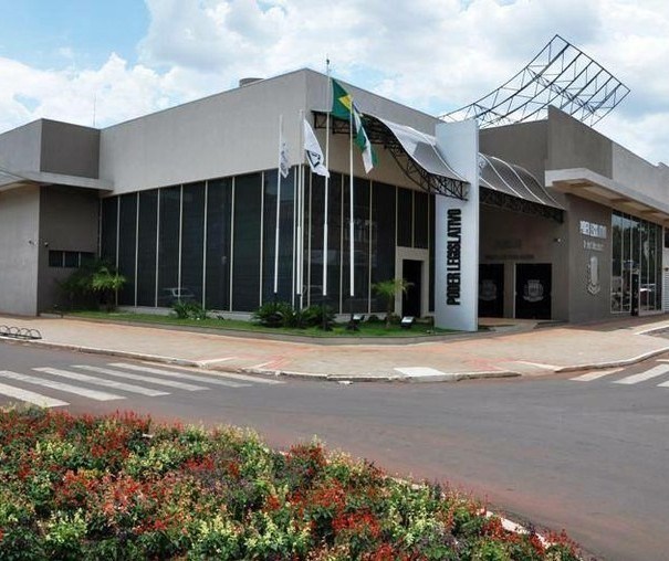 Vereador propõe que celulares apreendidos em cadeia pública sejam doados para alunos carentes