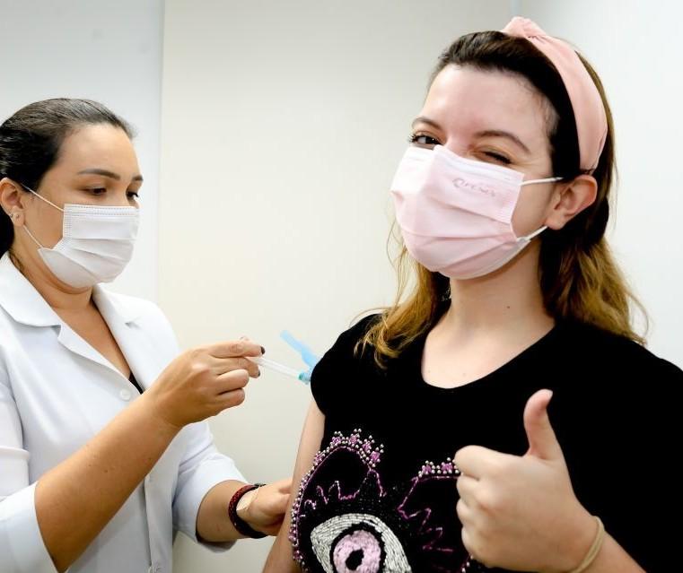 Após uma semana, Maringá retoma vacinação com a 1ª dose nesta sexta-feira (30)