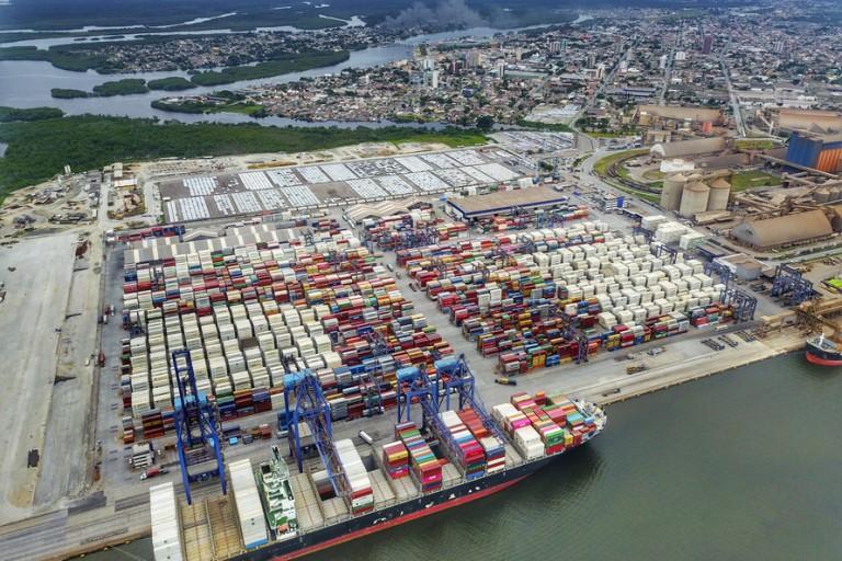 Exportações crescem pelo 2º mês seguido nos portos do Paraná