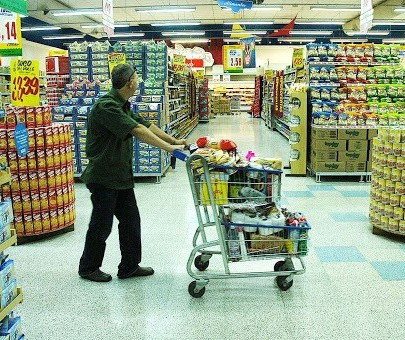 Como andam as vendas no setor de supermercados?