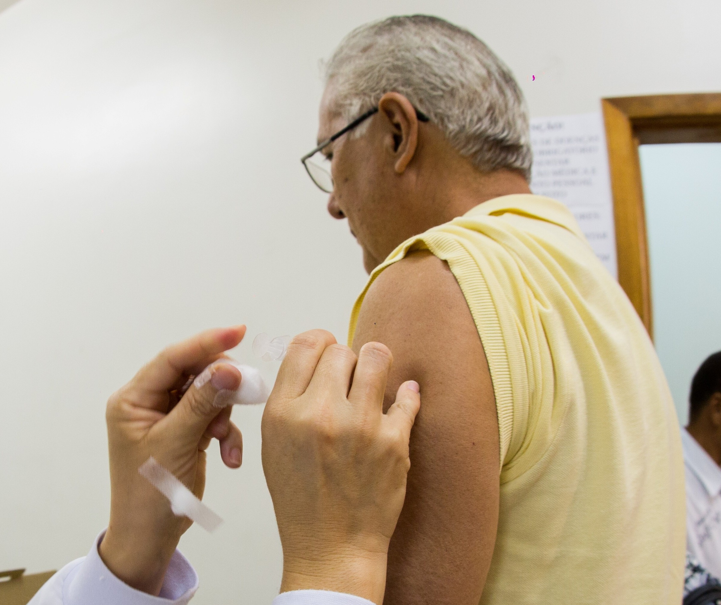 Sem luz, estoque de vacinas em Maringá pode ter estragado