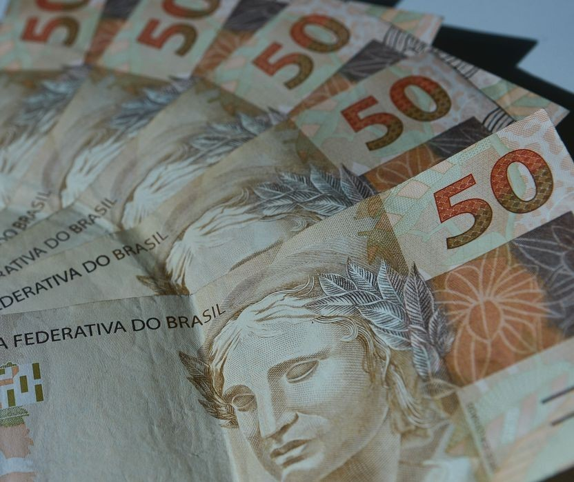 Receita paga o 3º lote de restituição do Imposto de Renda 2020