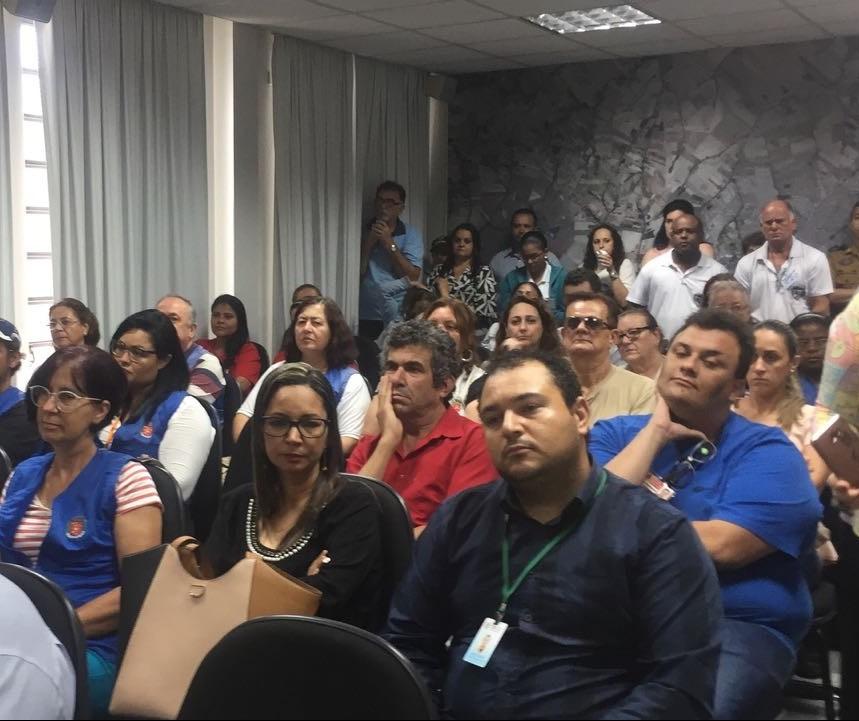 Faculdade de Maringá antecipa colação de grau para garantir inscrição