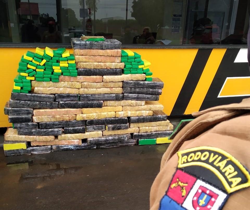 PRE apreende 530 kg de maconha em Cianorte