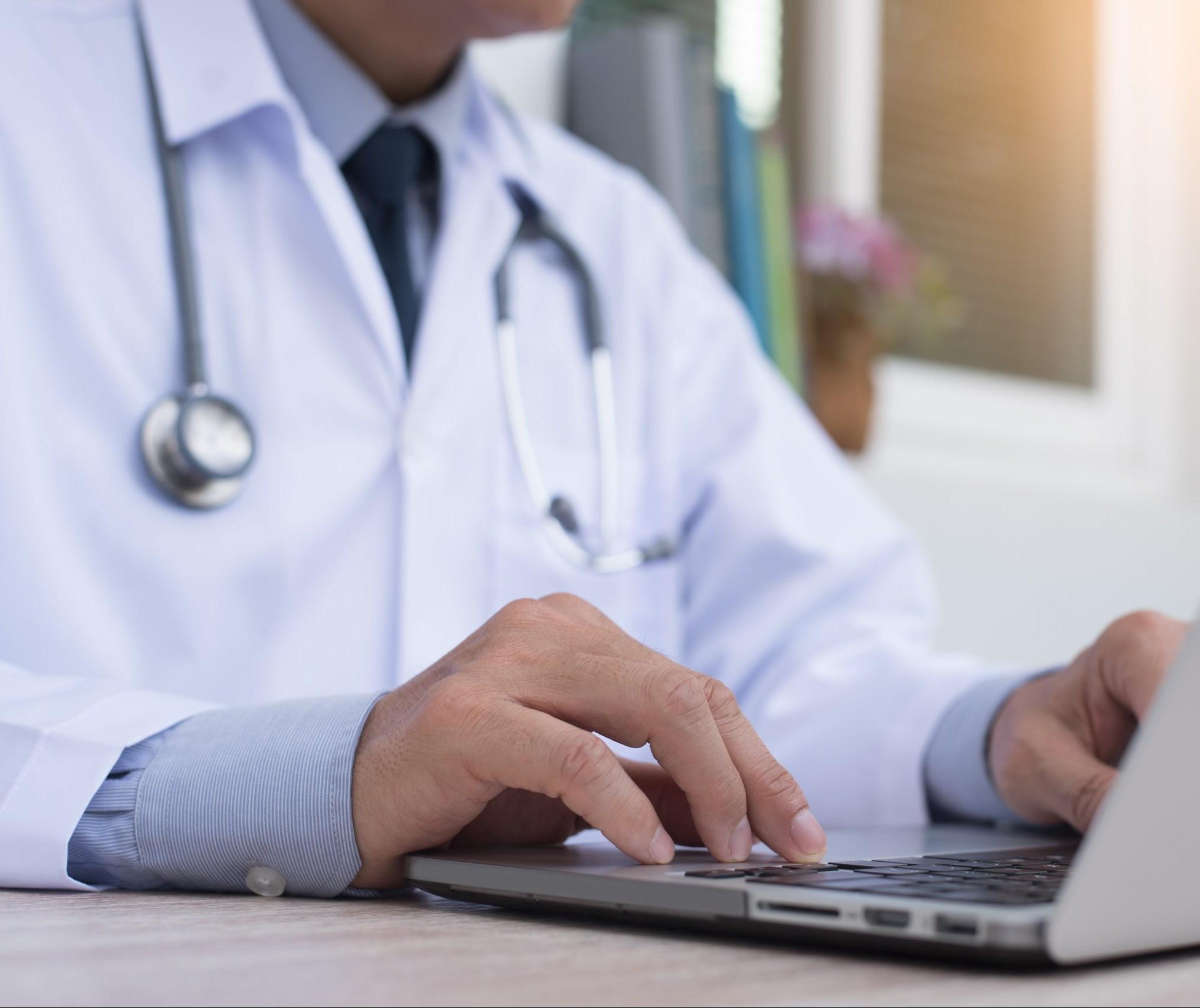 Plataformas de agendamento médico oferecem serviços de graça durante a pandemia