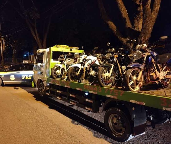 PRF apreende 37 motos e aplica 137 multas na Av. Colombo, em Maringá