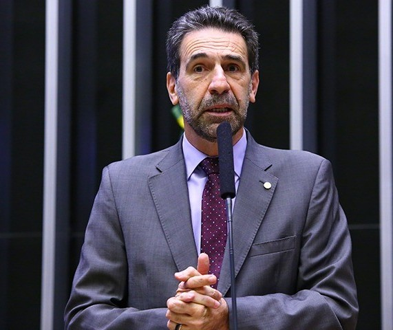"""""""Moro não deu uma declaração, fez delação"""", diz deputado federal Enio Verri"""