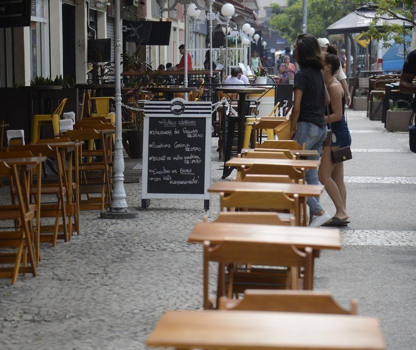 Sorveterias e lojas de açaí foram prejudicadas com novo decreto, avalia Abrasel