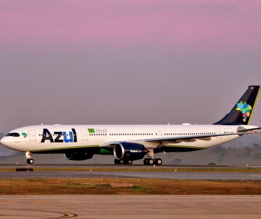 Asas congelam e avião não consegue decolar na manhã desta quinta-feira (29) em Curitiba