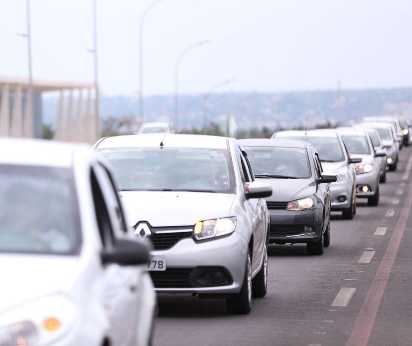 Motoristas e motociclistas de aplicativos poderão ter isenção do IPI na compra de veículos