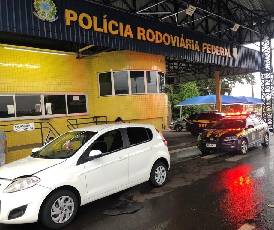 Carro com placas de Maringá é apreendido com quase R$ 345 mil em débitos
