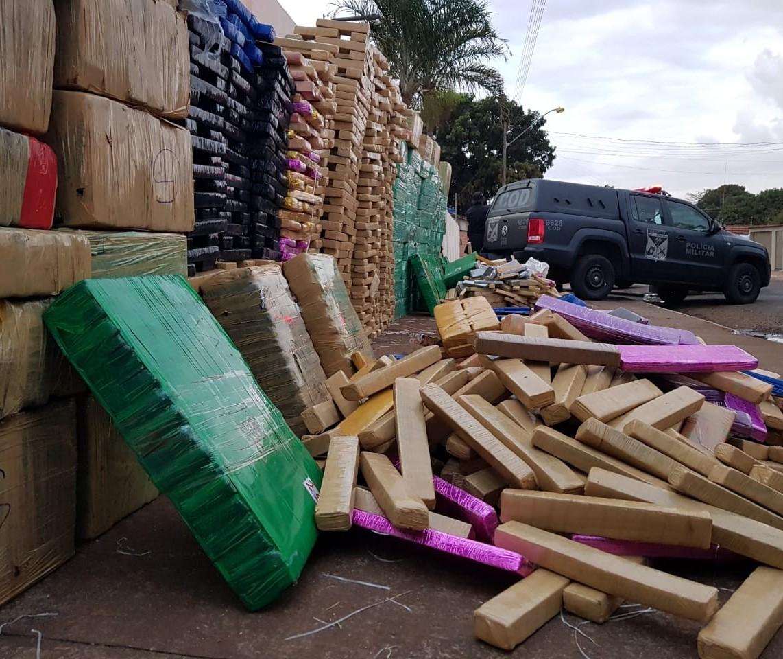 Denarc de Maringá ajuda a apreender quatro toneladas de maconha