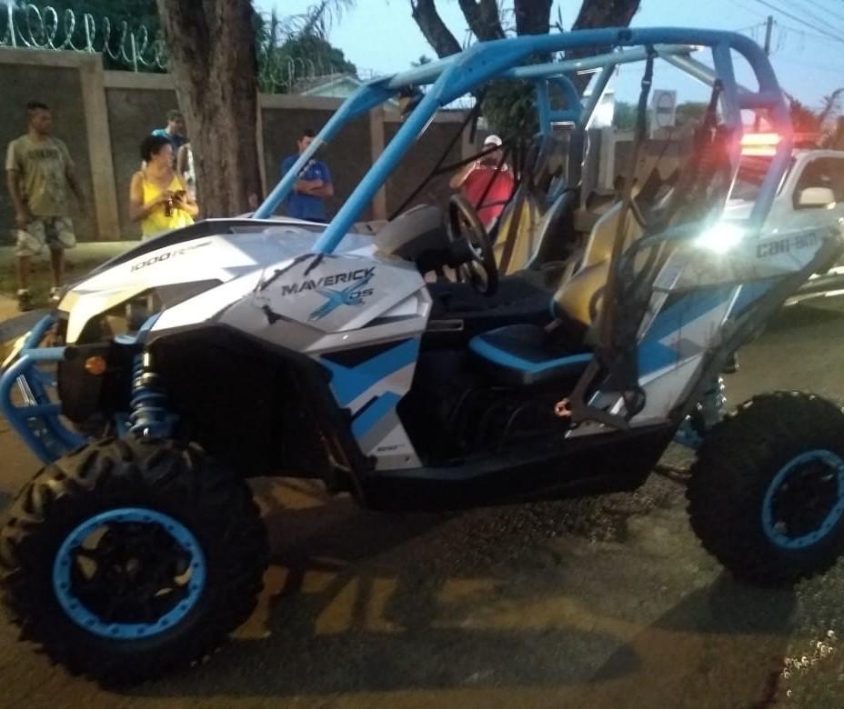 Capotamento de quadriciclo deixa homem ferido em Maringá