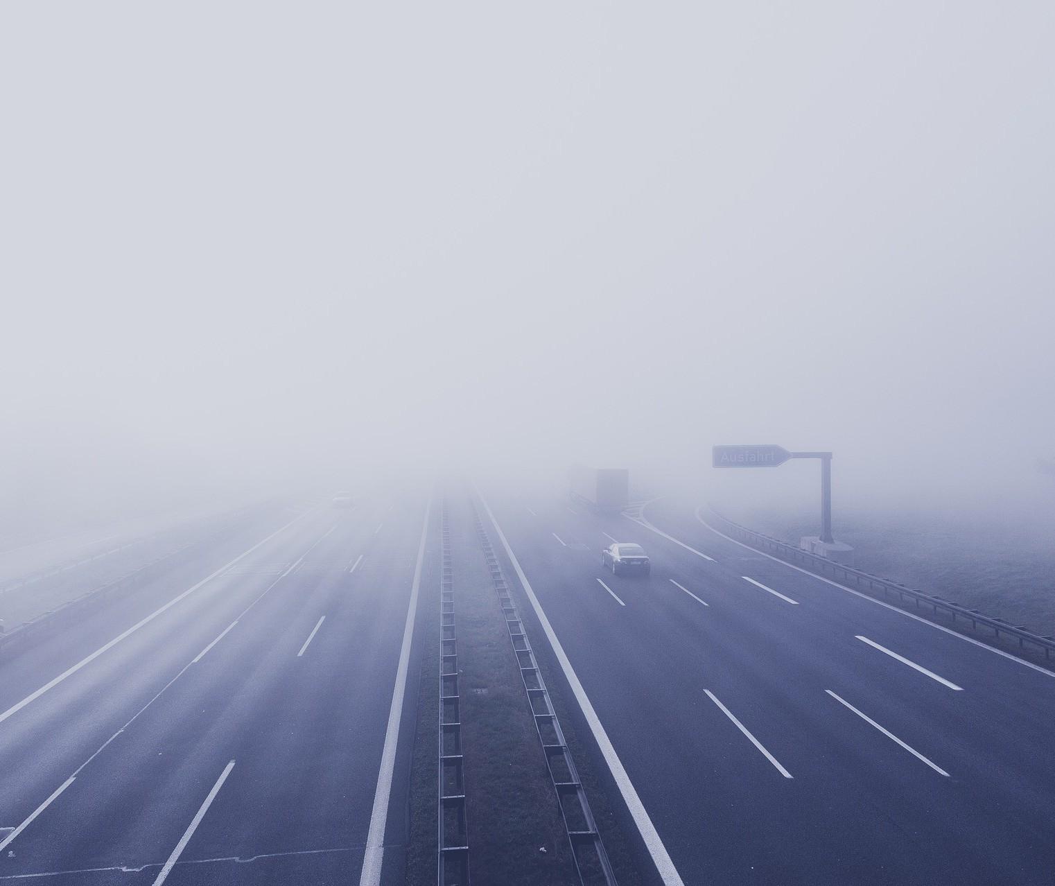 Como dirigir com baixa visibilidade? PRF dá dicas de segurança
