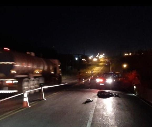 Homem morre atropelado por moto no Contorno Sul, em Maringá