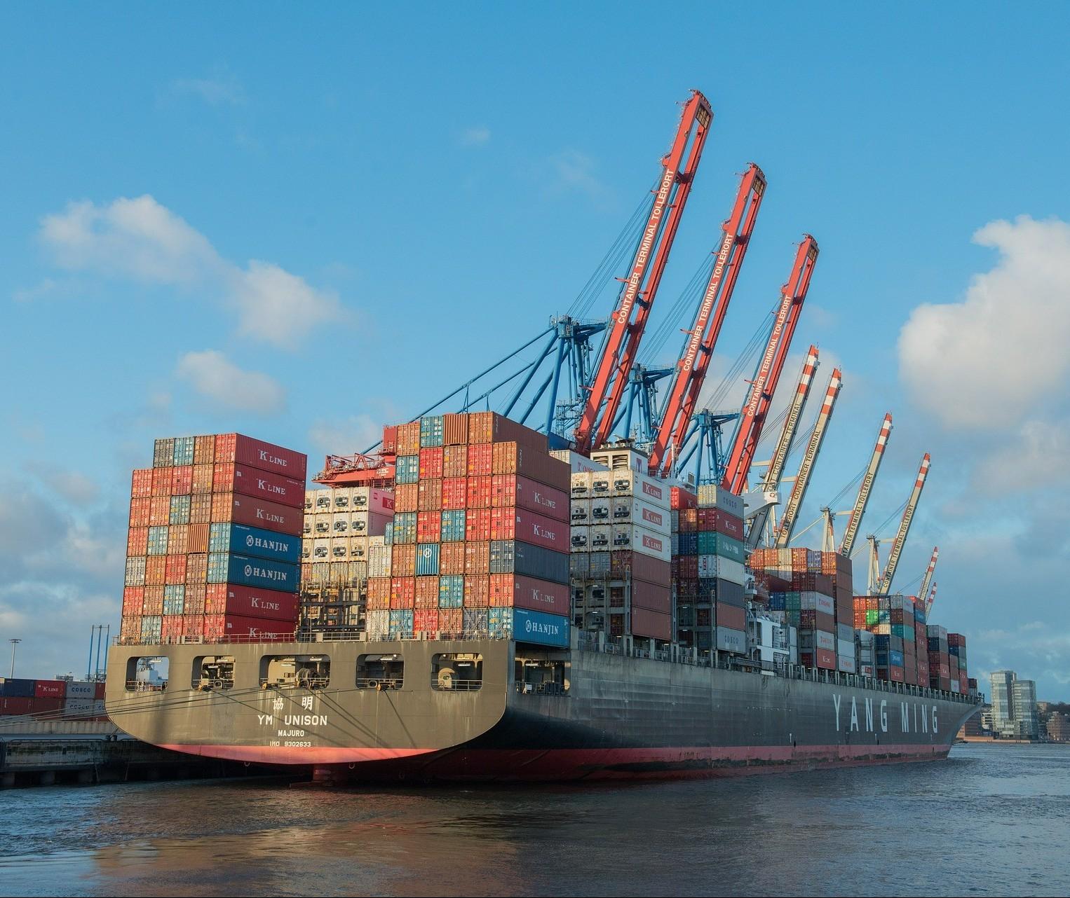 Exportações caem e petróleo é protagonista