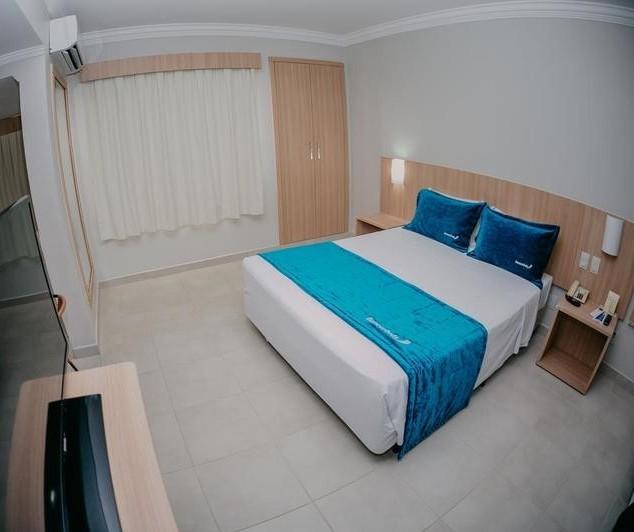 Por que a prefeitura quer alugar quartos de hotel?