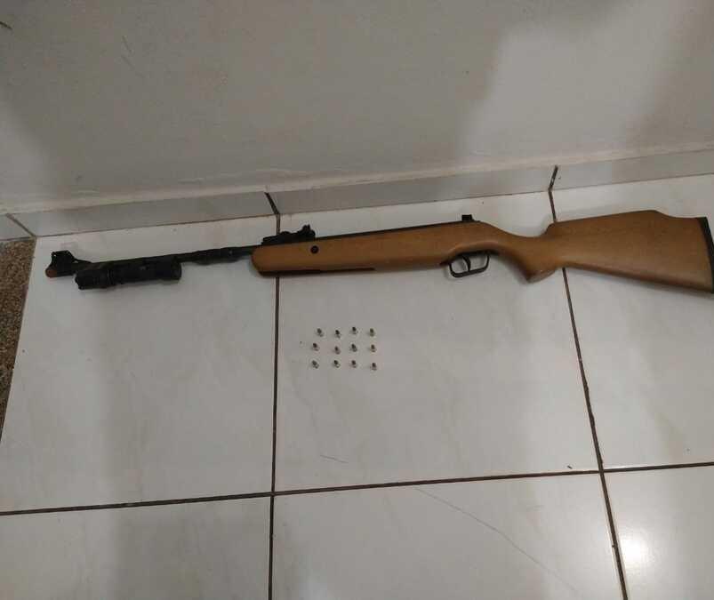 Caçador é preso com paca abatida, arma de fogo e munição