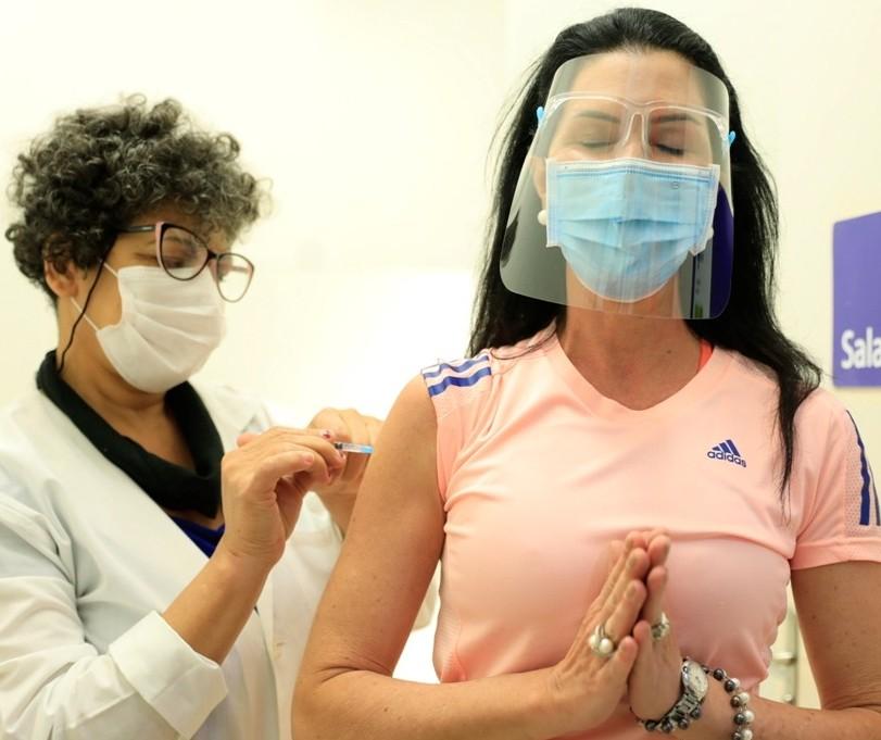 Vacinação para o público geral será retomada nessa quinta-feira (22) em Maringá