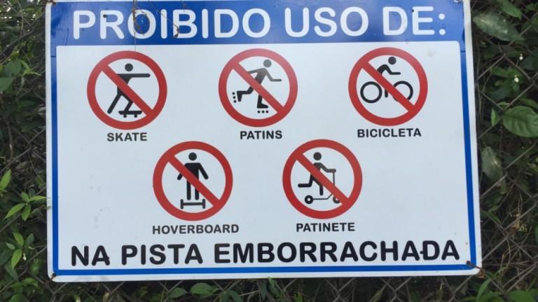 É proibido circular de bicicleta na pista emborrachada do Parque do lngá