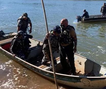Grupamento especial de Curitiba reforça buscas por desaparecidos no Rio Ivaí