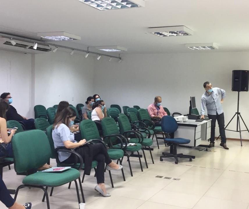 Paraná começa a implantar o rastreamento de contatos