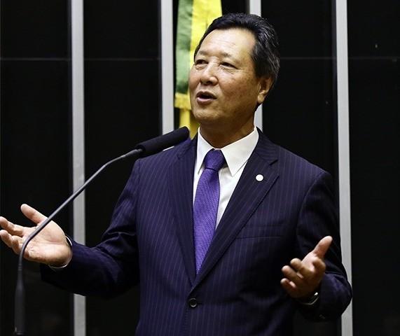 'Eleições municipais devem ser suspensas por causa do coronavírus', diz deputado