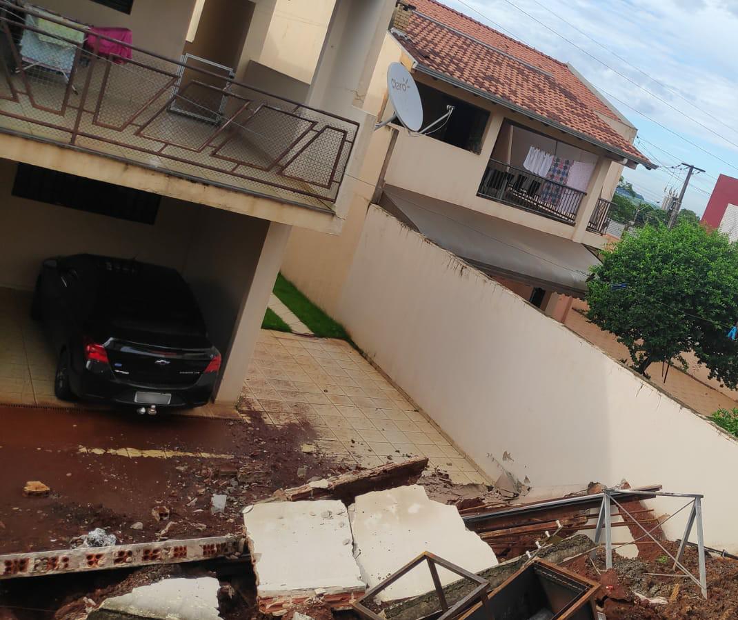 Parte de uma casa é interditada em Maringá