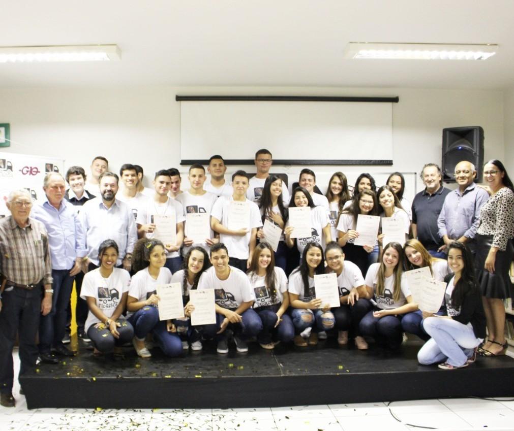 30 estudantes se formam no 1º curso de Logística do Brasil