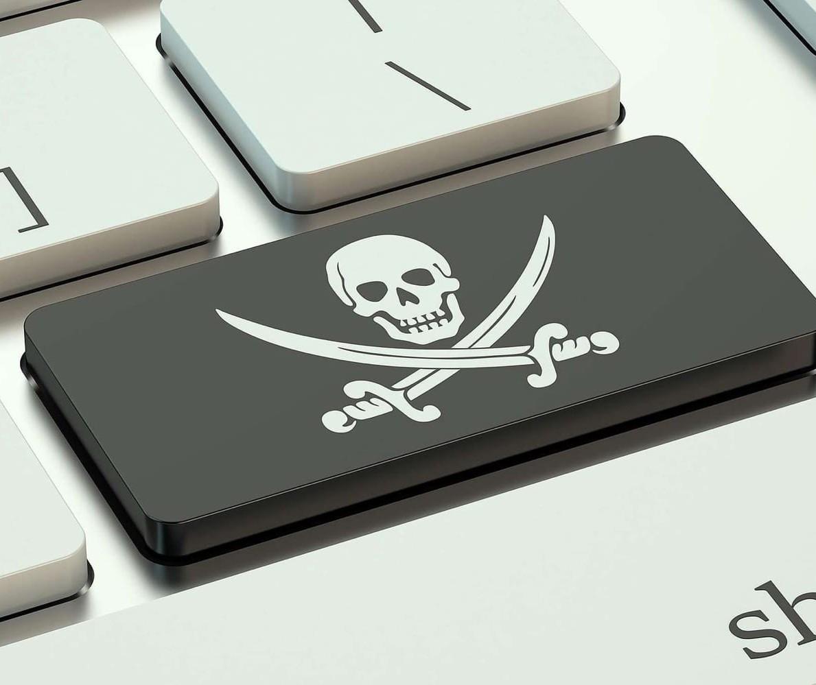 Venda de produto 'pirata' na internet