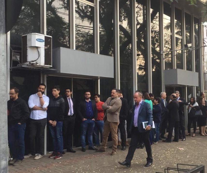Começa júri popular dos acusados pela morte de auditor fiscal, em Maringá