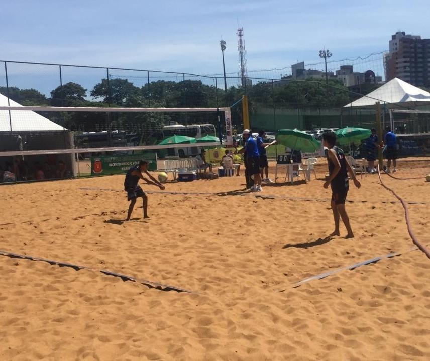 Paranaense de vôlei de praia é realizado em Maringá