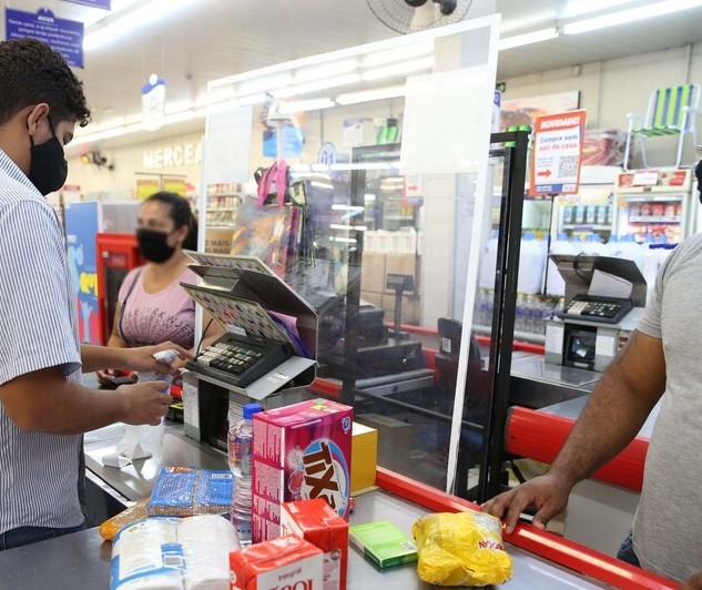 Mais da metade das empresas no Paraná registraram queda nas vendas em 2020