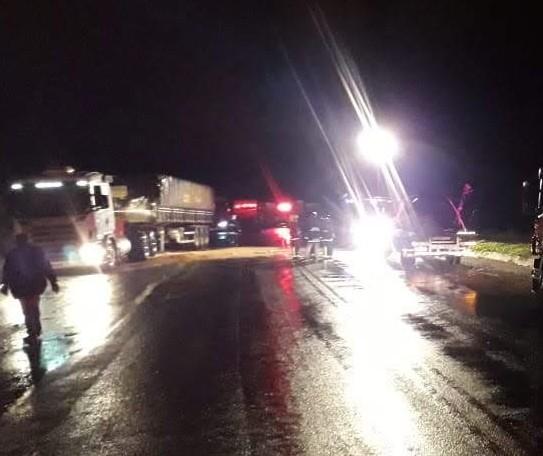 Acidente com sete veículos deixa uma pessoa em estado grave