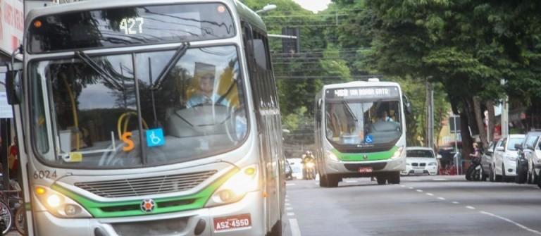 Motoristas de ônibus se reúnem em assembleia para pauta que inclui possível greve