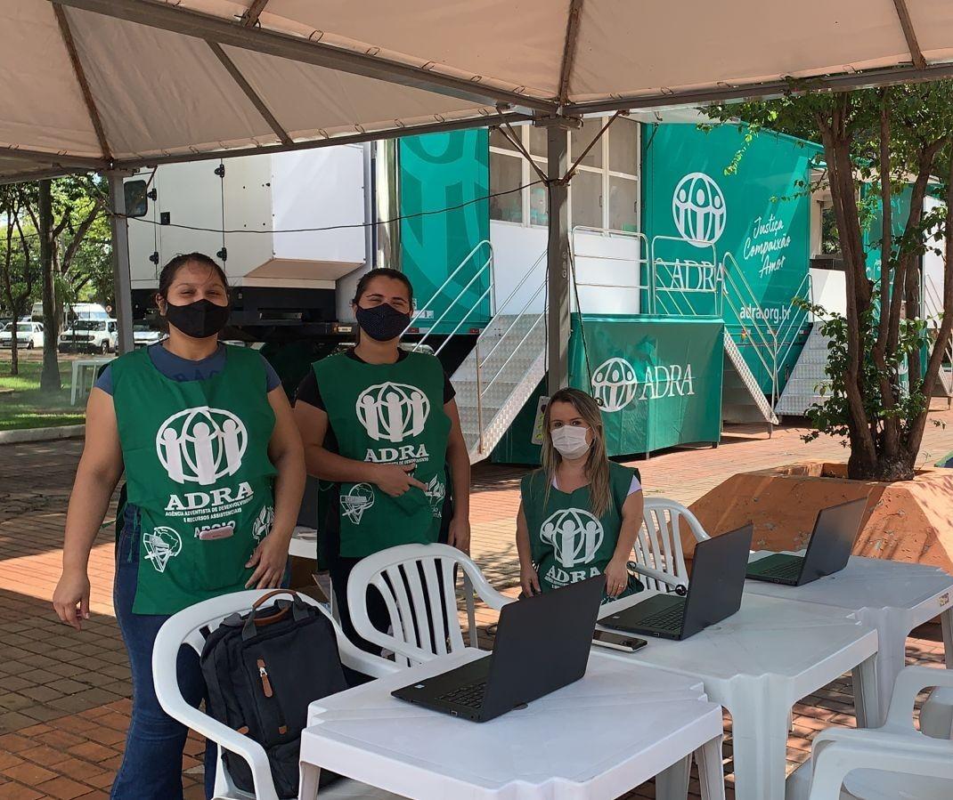 Carreta Solidária oferece serviços a pessoas em situação de vulnerabilidade em Maringá